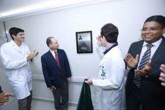 Posto de Enfermagem homenageou médico cirurgião que atua no HAB desde 1983.