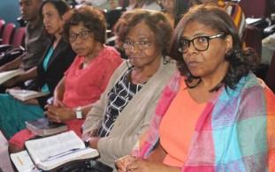 Membros de todas as idades de interessaram pelo tema (Foto: Renata Paes)