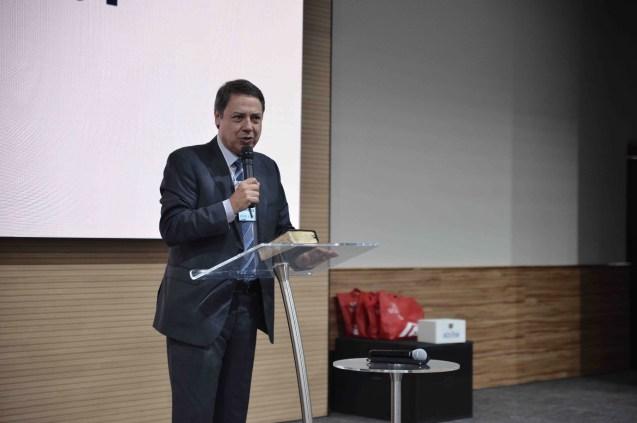 Pastor Jonas Pinho ministrou uma meditação espiritual na abertura do encontro (Foto: Renan Lima)