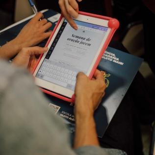 Tablet usado em oficina