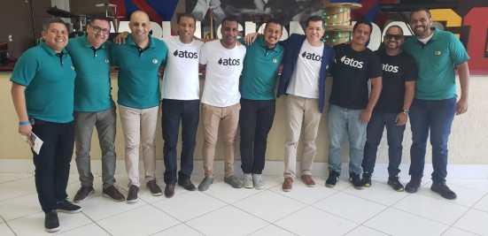Direita para esquerda: Gutemberg Dias, Claudio Medeiros, Bruno Ravani, Pr. Robson Pereira, Julio, Rafael, Pr. José Venefrides, Alex Dias, Aureo e Tarsius.