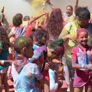 Crianças se divertiram na festa das cores(Foto: Gabriela Victorio)