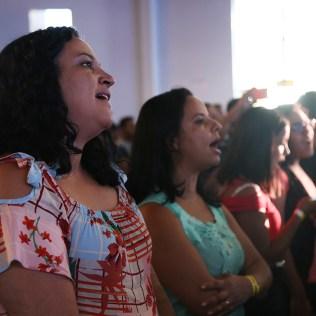 Público cantou durante a programação. (Foto: Renata Paes)