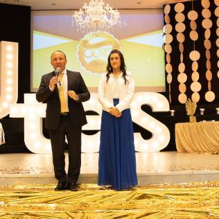 Pr. Alexandre Lopes e Melissa Barcelos.