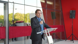 Volnei Porto, líder financiero da IASD no Sul, falou aos presentes sobre a importância da escola