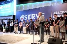 Pastor Emmanuel Guimarães, secretário do escritório da Igreja Adventista para o Estado de São Paulo, orou pelos palestrantes que ministraram os 18 workshops do SERVE 2020 (Foto: Acervo APL)