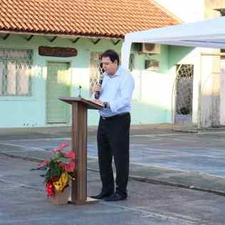 Pastor João Rostirolla faz reflexão bíblica para pessoas dos grupos de risco.[Foto: Angela Akemi].