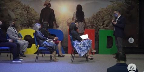 Simulação de uma classe bíblica diferenciada durante o evento