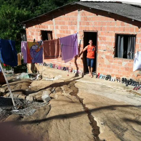 Casa antes da reforma mobilizada por Ibanês (Foto: arquivo pessoal)