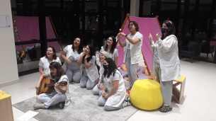 O acampamento teve inclusive os participantes, tanto professoras e alunos, vestidos a carater