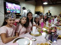 Jantar foi preparado especialmente para as meninas do clube. [Foto: Reprodução].