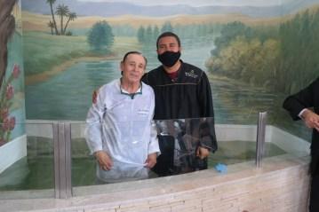 Após ler o livro, Antônio visitou a igreja adventista e começou os estudos bíblicos com um casal recém-batizado