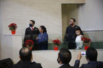 Dois batismos foram realizados na ocasião: Esposas dos ordenados receberam homenagens por seu papel no ministério do esposo. [Foto: Paulo Ribeiro].
