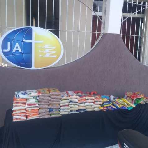 Arrecadação de alimentos em Eunápolis. (Imagem: reprodução)