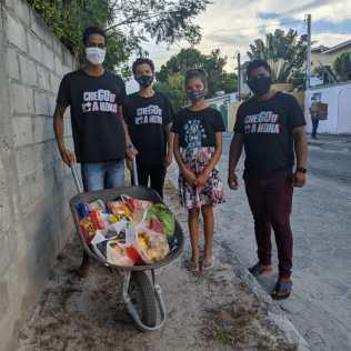 Arrecadação de alimentos em Santa Cruz Cabrália. (Imagem: reprodução)