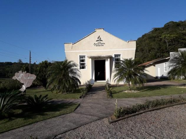 Templo foi construído em 1896, um ano após o estabelecimento da congregação de Gaspar Alto