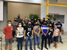 Grupo de voluntários que promoveu o mutirão de solidariedade.[Foto: Pastor Mauricio Sales].