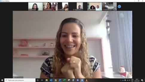 Curso de Noivos da Missão Tocantins conta com a participação da professora Débora Ogalha