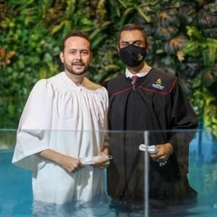 Batismo do Leonardo Henrique na Igreja Adventista do Setor Pedro Ludovico, em Goiânia
