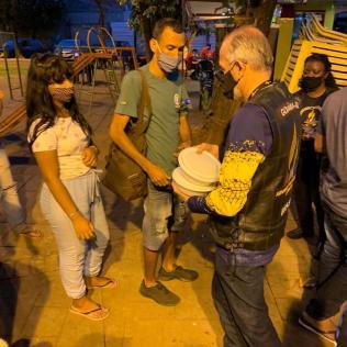 Entrega de marmitas em Goiânia pelo AMM (Foto: arquivo pessoal)