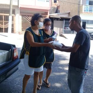 Moradores em situação de rua são beneficiados com ação (Foto: Arquivo Pessoal).