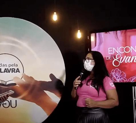 Mirian contou sua história no treinamento para mulheres evangelistas do sul da Bahia. (imagem: internet)
