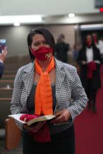 Mulheres realizaram a troca do lenço do projeto MELL para Mulheres em Missão (Foto: Stephanie Passos)