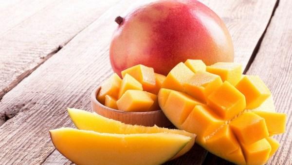Manga é fruta de grande variedade encontrada com facilidade no Brasil