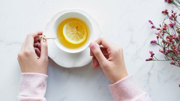 4 boas opções de chás calmantes para você provar