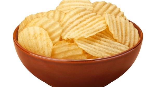 Batata chips industrializada é um dos petiscos mais populares do Brasil