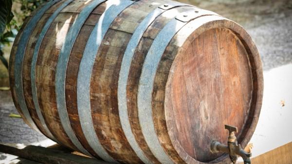 Dorna é um tipo de recipiente para armazenar bebidas