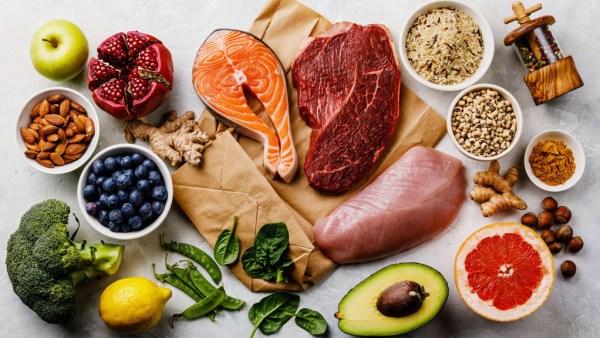 Nutriente, formado por elementos químicos, é encontrado nos alimentos