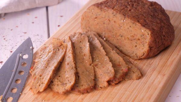 Seitan é uma proteína de cereal, uma espécie de carne de glúten