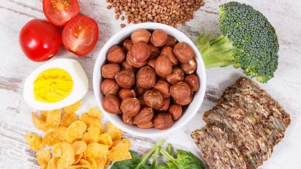 Vitamina B2 (riboflavina) é muito usada como corante alimentar
