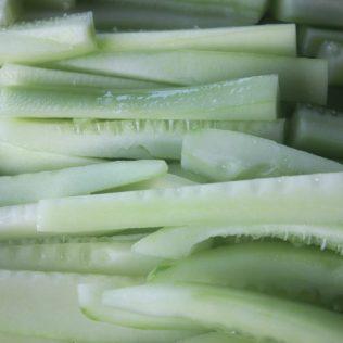 Pepino comum contribui para alimentação com nutrientes e equilíbrio