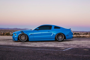 2013 Mustang GT on bags