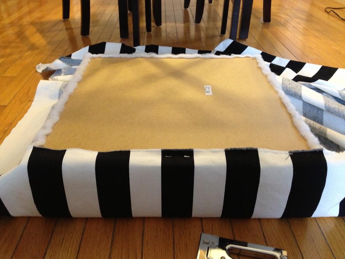 ikea hack pouf transformer une table