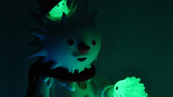 InstincToy's Snowy - First Snow, glow-in-the-dark
