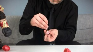 James Groman & InstincToy's Liquid Heart - Rethreading chain through