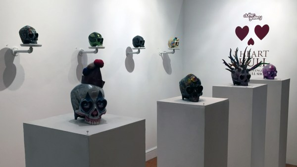 Clutter Magazine Gallery's I Heart Skull Exhibition - Custom Ron English Heartskulls