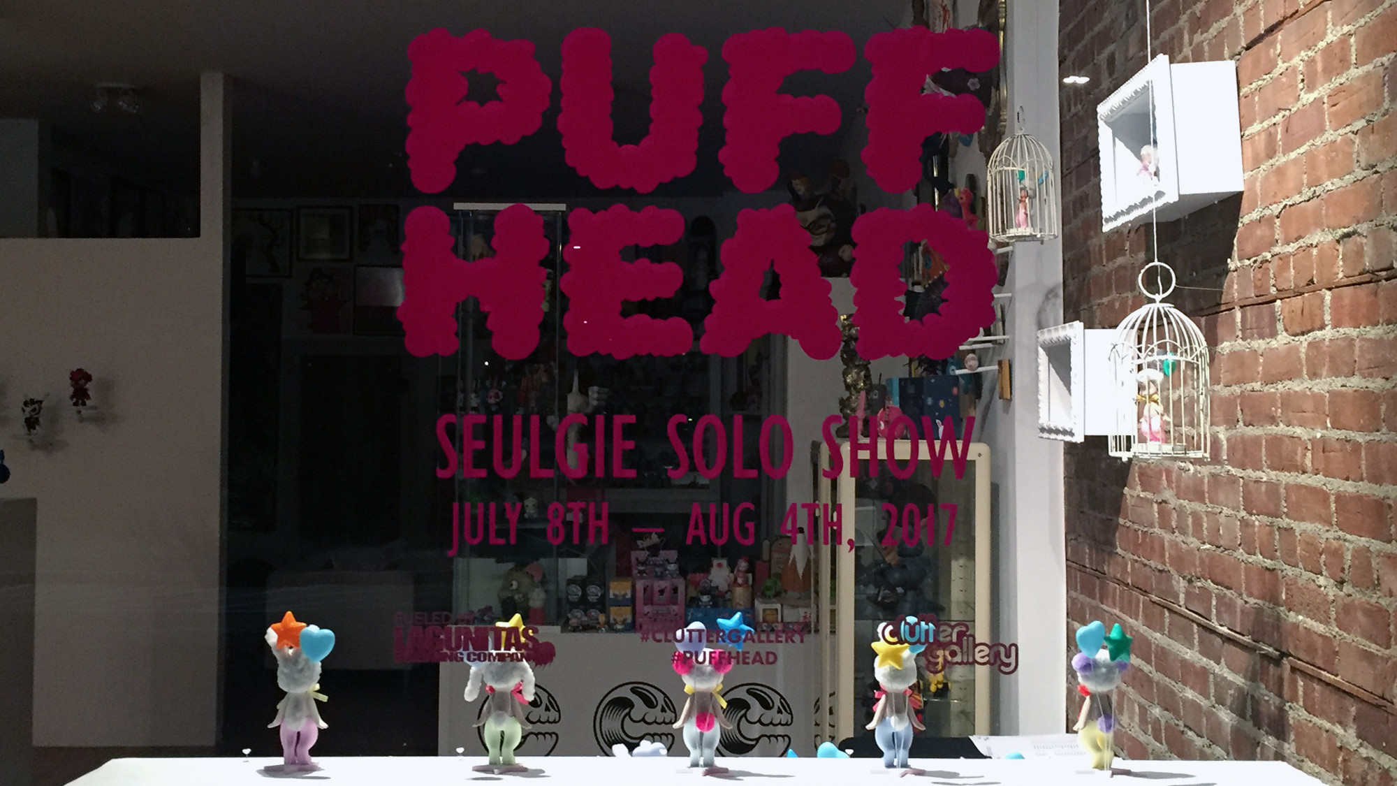 Seulgie's Puff Head (Puffhead) - Window display (outside)