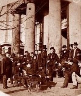 Union Soldiers Under Portico