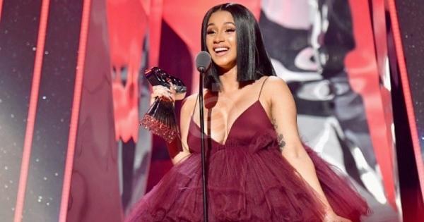 خمنوا من هي هذه الطفلة التي أصبحت من أشهر المغنيات في العالم