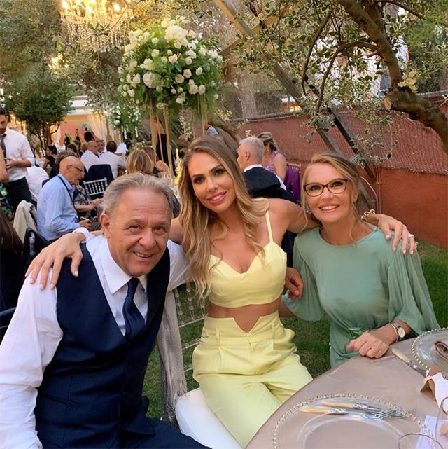 Ilary Blasi con papà Roberto e mamma Daniela