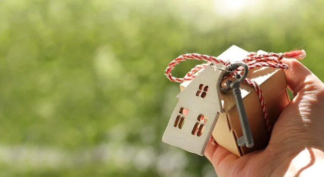 What Are the Benefits of a 20% Down Payment?   Keeping Current Matters