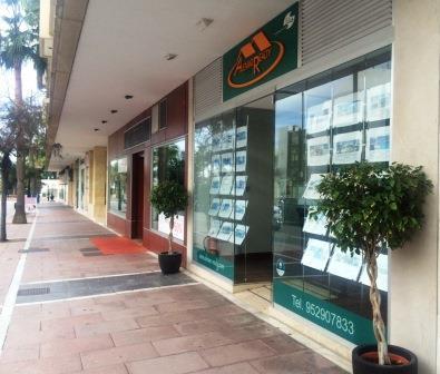 Agencia inmobiliaria Alemar Realty en Puerto Banus, Marbella