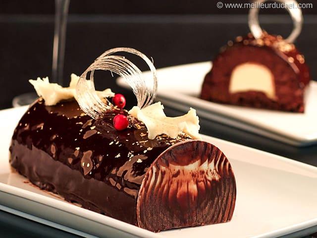 buche de noel au chocolat au cœur de creme brulee