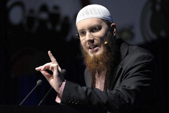 Grosse Pläne: Nicolas Blancho, Vorsitzender des Islamischen Zentralrats Schweiz an der Jahresversammlung in Biel. (19. Februar 2011)