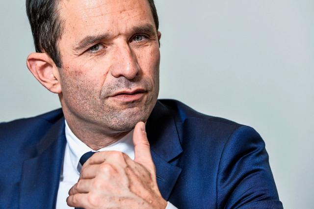 Guerre à gauche. Benoît Hamon: «Si la loi Travail et la déchéance de nationalité n'avaient posé aucun problème, Manuel Valls aurait été choisi comme candidat»