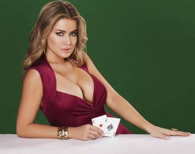 Carmen Electra pour la promotion du site de poker en ligne Pokerist portrait w858